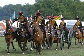The Kings Troop Royal Artillery al Artillery performing their display