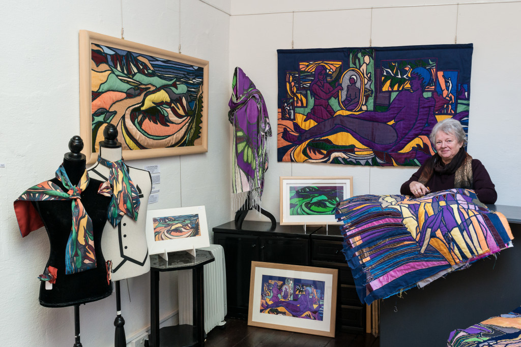 Cynth Weyman creating Intaglio Strati art quilt in her gallery inspired 2 collect Carmarthen M