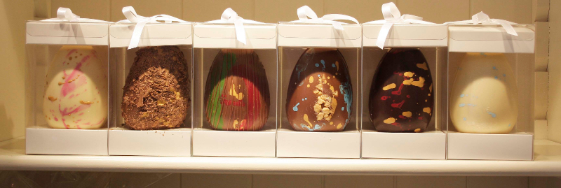 Baravelli 's Dragon Easter Eggs from left to right are the Marsh Orchid , Welsh Gold, Valley, Conwy Estuary, Welsh and Ice Dragon Eggs.